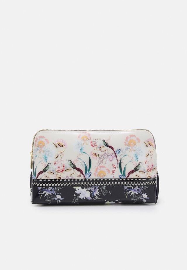 DECKSI - Kosmetická taška - natural