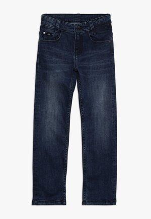 Straight leg jeans - stone pulverisation