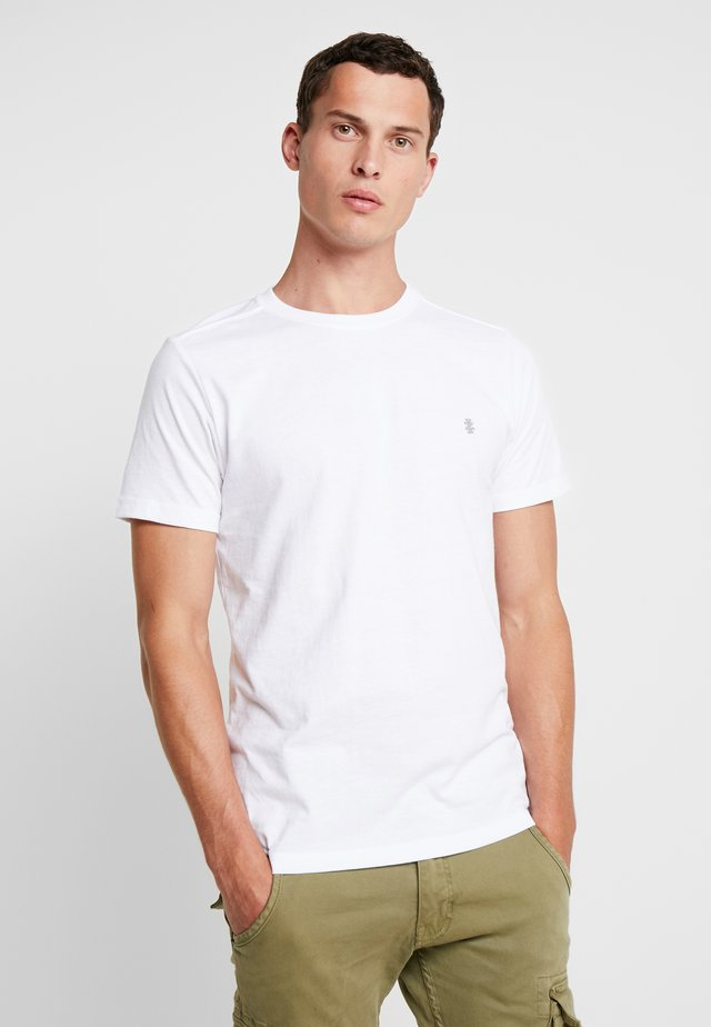 CHEST LOGO BASIC TEE  - T-shirts - white
