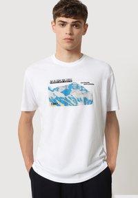 Napapijri - SULE - Print T-shirt - white graphic - 0