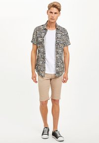 DeFacto - Denim shorts - beige - 1