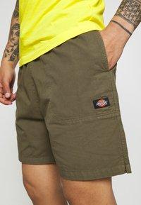 Dickies - PELICAN RAPIDS - Shorts - military green - 4