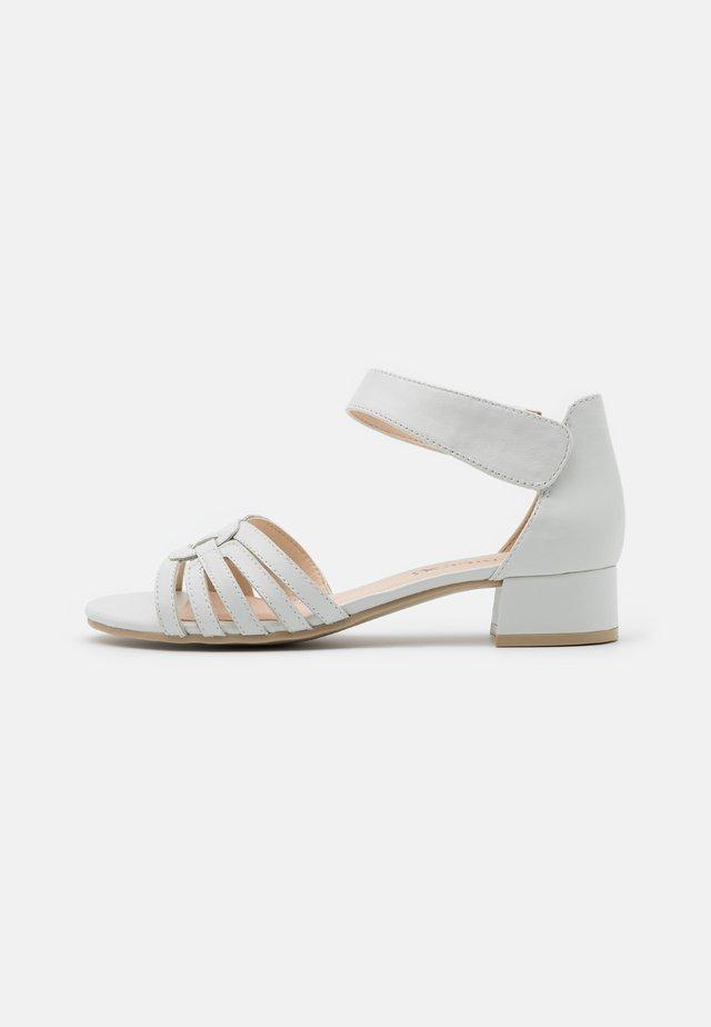 Sandalen - white perlato