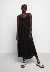 Rika - MALIBUDRESS - Vestido largo - black - 0