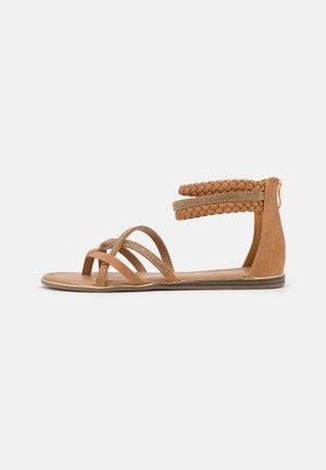 Sandály s odděleným palcem - medusa rosa