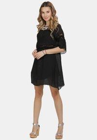 IZIA - IZIA KLEID - Day dress - schwarz - 1