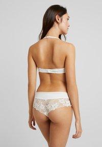 Esprit - MACKAY CLASSIC - Push-up bra - off white - 4