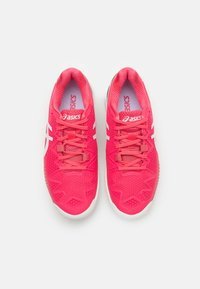 ASICS - GEL-RESOLUTION 8 - Multicourt tennis shoes - pink cameo/white - 3