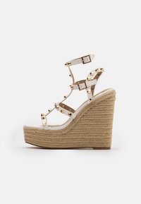 Missguided - DOME STUD WEDGE - Sandalias de tacón - white - 1