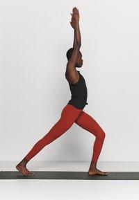 Nike Performance - POINTELLE TANK - Funktionsshirt - black/dark smoke grey - 1