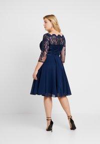 Chi Chi London Curvy - CARMELLA DRESS - Cocktail dress / Party dress - navy - 2