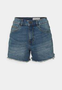Noisy May Petite - NMKATY SLIM MOM - Shorts di jeans - medium blue denim - 0
