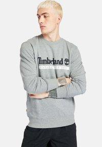 Timberland - Sweatshirt - med grey heather white - 0