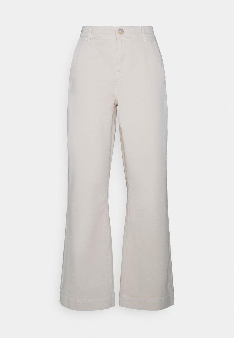 Ivy Copenhagen - AUGUSTA FLARE PANT VINTAGE - Relaxed fit jeans - ecru
