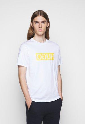 DICAGOLINO - T-shirt imprimé - white