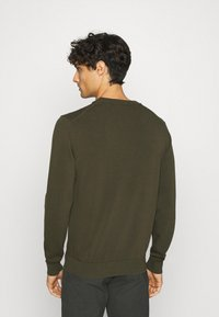 Lacoste - Stickad tröja - baobab - 2