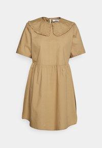 ONLY Petite - ONLSALEM SHORT DRESS - Robe d'été - silver mink - 0