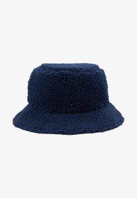 Tommy Hilfiger - FLAG REVERSIBLE BUCKET - Hat - blue - 1