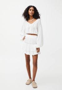 PULL&BEAR - Mini skirt - off-white - 1