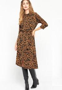 LolaLiza - Jersey dress - brown - 0