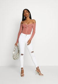 Missguided - SLINKY OFF SHOULDER RUCHED BODY - Long sleeved top - rose - 1