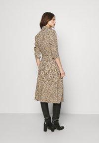 Dorothy Perkins - DRESS - Shirt dress - camel - 2
