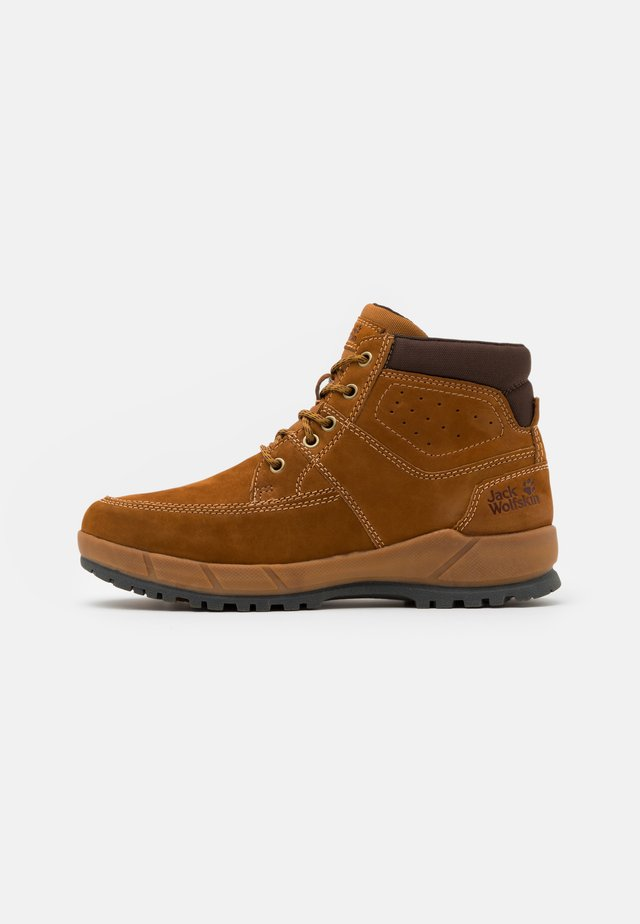 JACKSON MID - Winter boots - honey/brown