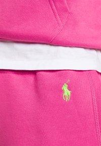 Polo Ralph Lauren - FEATHERWEIGHT - Pantaloni sportivi - peony - 5