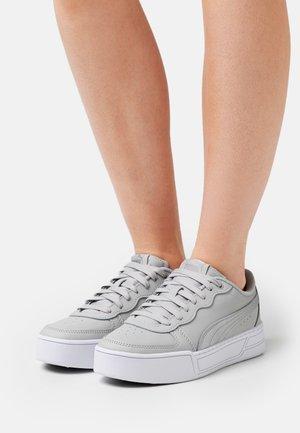 SKYE - Sneaker low - gray violet/silver