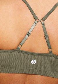 Cotton On Body - WORKOUT YOGA CROP - Sujetador deportivo - fern green - 5