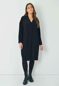 Live Unlimited London - Day dress - black - 0
