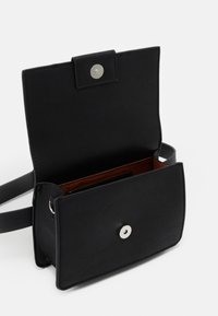 PARFOIS - CROSSBODY BAG TONGUE - Across body bag - black - 2