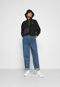 Levi's® - TREKKER QUARTER ZIP - Sweat polaire - caviar - 1