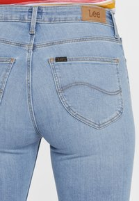 Lee - BREESE - Flared Jeans - blue - 4