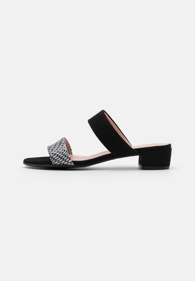 LIZBETH - Pantofle - black