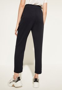 comma casual identity - REGULAR FIT - Trousers - marine - 3