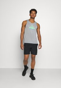 Nike Performance - RISE 365 TANK TRAIL - Sports shirt - particle grey/poison green - 1