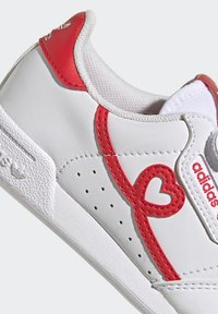 adidas Originals - CONTINENTAL 80 SHOES - Baskets basses - footwear white/vivid red - 8