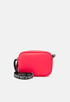 DOUBLE ZIP CAMERA BAG - Bandolera - pink