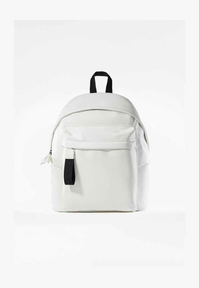 MIT TASCHE  - Batoh - white