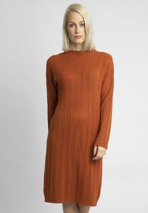 Robe pull - karamel