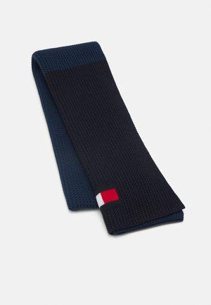 BIG FLAG SCARF UNISEX - Sjaal - faded indigo