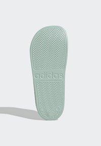 adidas Performance - ADILETTE SHOWER SLIDES - Pool slides - green tint - 6