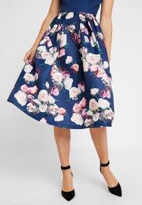 Chi Chi London - CYDNE DRESS - Sukienka koktajlowa - navy - 6