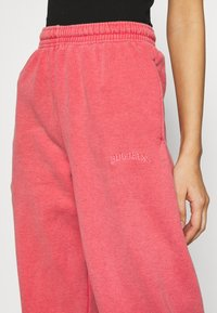 BDG Urban Outfitters - PANT - Tracksuit bottoms - washed red - 5