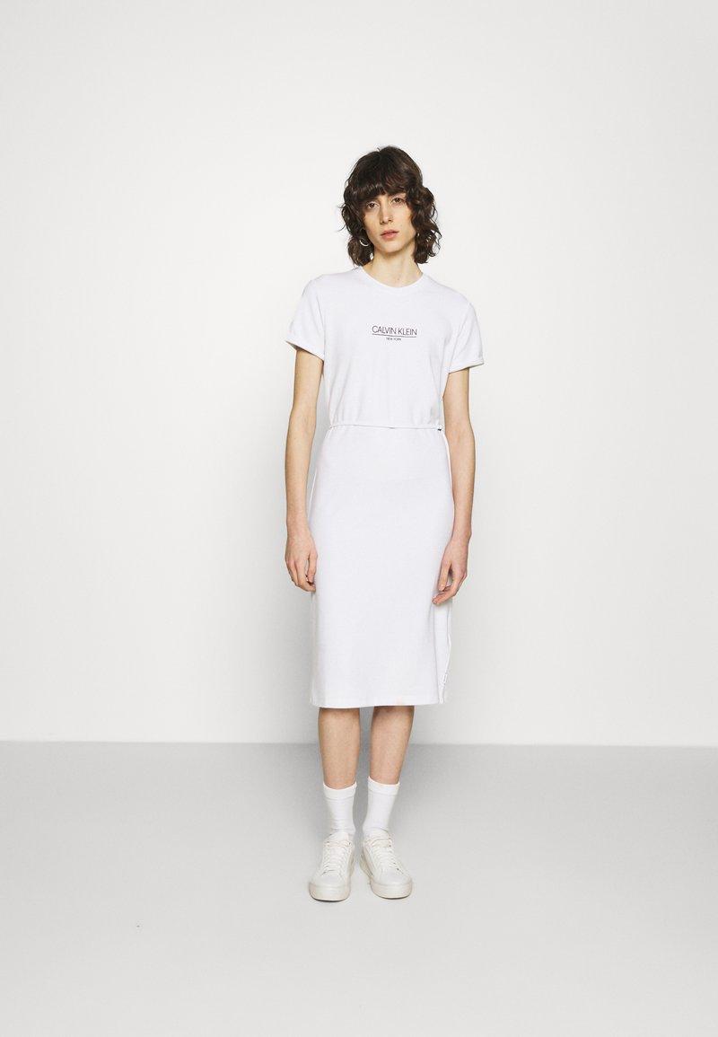 Calvin Klein - LOGO DRESS - Jersey dress - bright white
