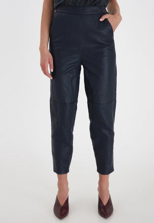 IHYOHANNA PA - Pantalon en cuir - dark navy