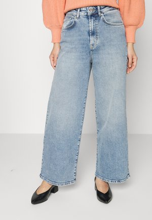 ONLINC HOPEEX HI WIDE LEG REAPET - Relaxed fit jeans - light blue denim