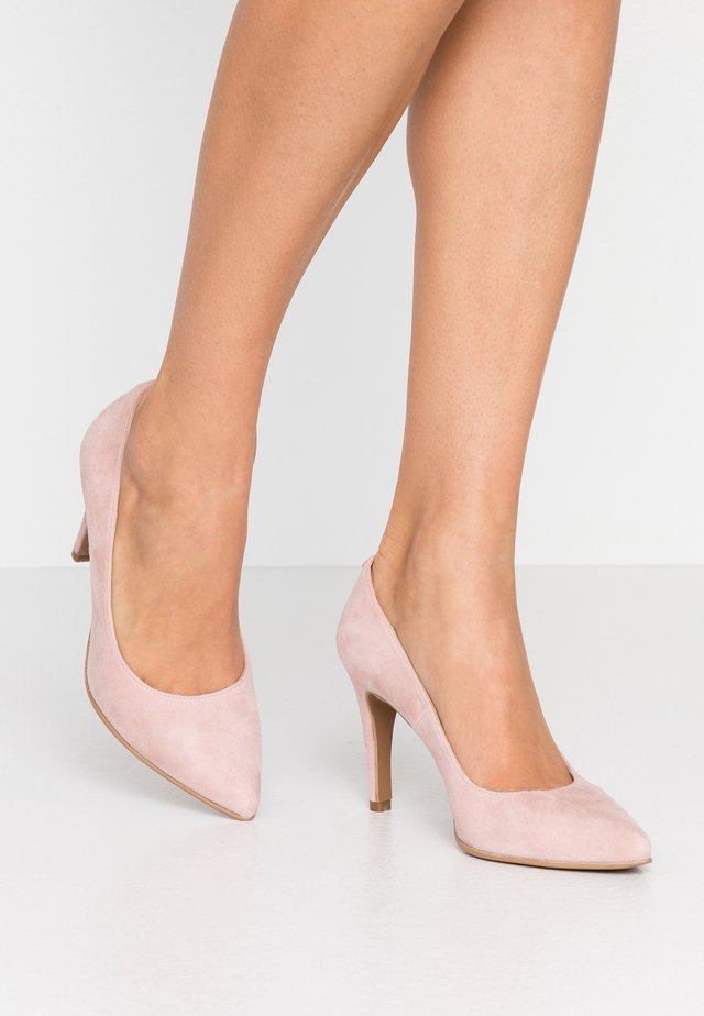 WIDE FIT DIAN - Klassiska pumps - nude