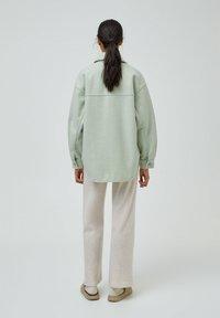 PULL&BEAR - Halflange jas - green - 2